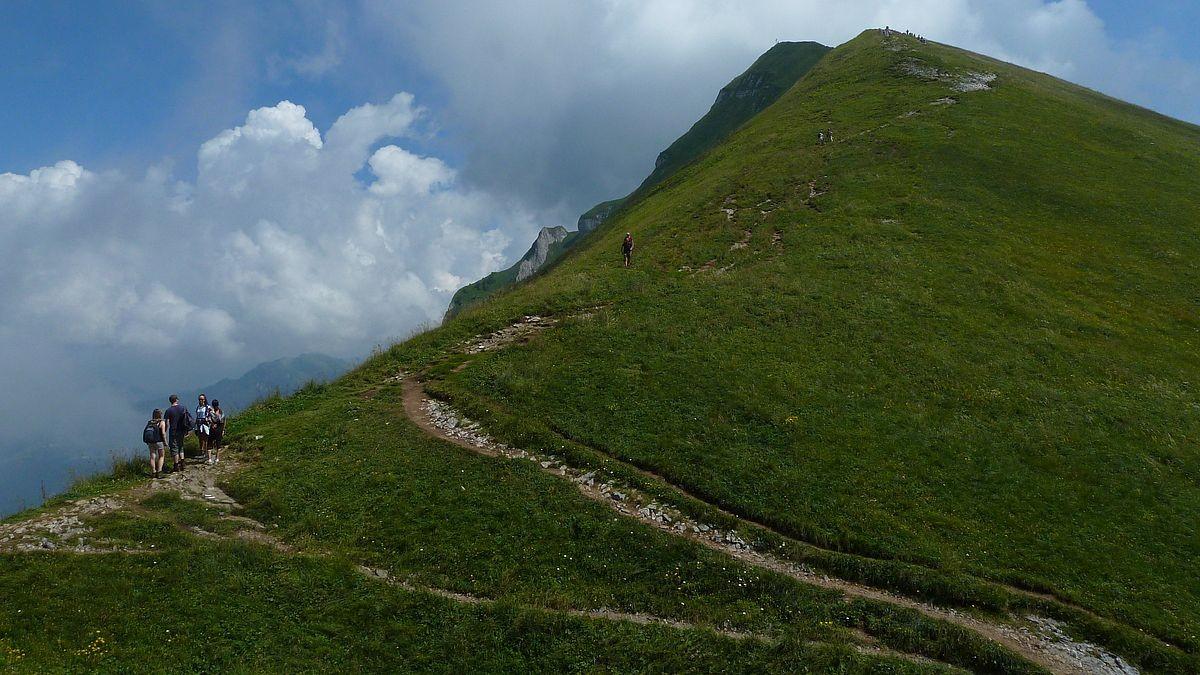 Hählesattel und letzter Aufschwung zum 300 m höher gelegenen Gipfel