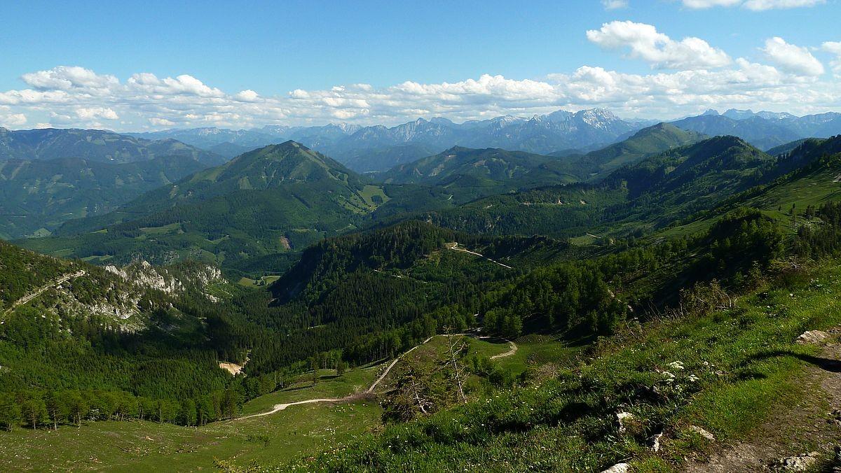 Am Almkogel - Blick auf den südöstlichen Teil des Nationalparks Kalkalpen