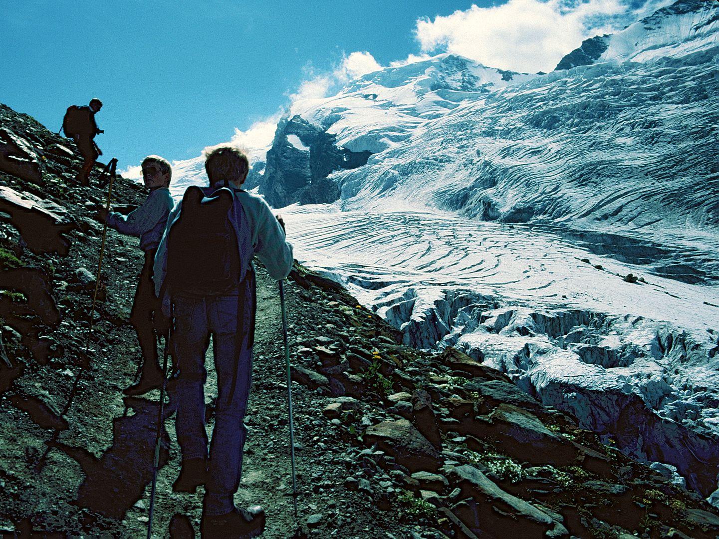 Aufstieg zur Laengfluh-Bergstation