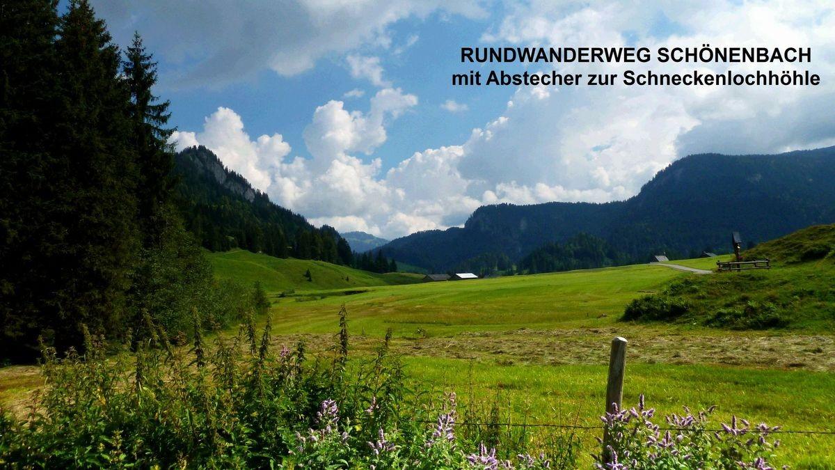 Foto vom Parkplatz vor Schönenbach aus.