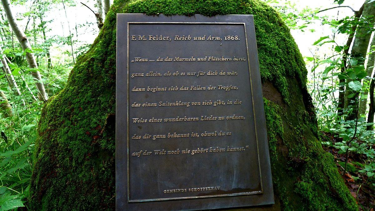 Weitere Gedenktafel der Gemeinde Schoppernau mit einem Zitat von F. M. Felder
