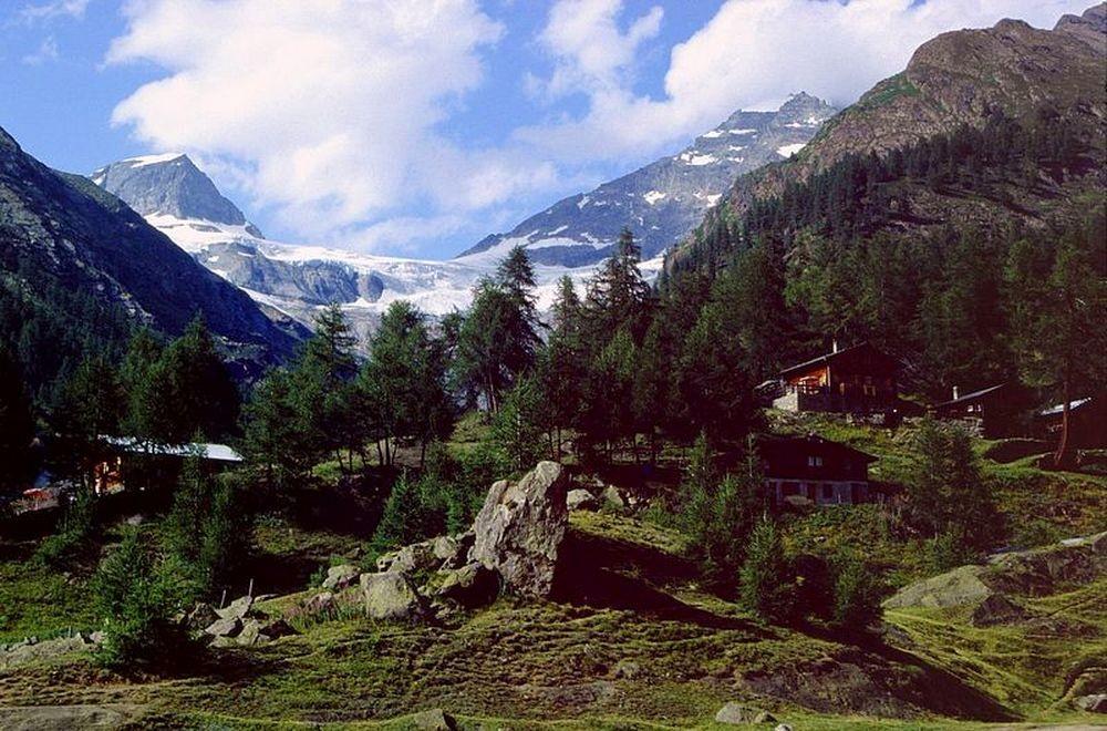 Der Gletscherstafel gegen Lauterbrunner Tschingelhorn und Breithorn