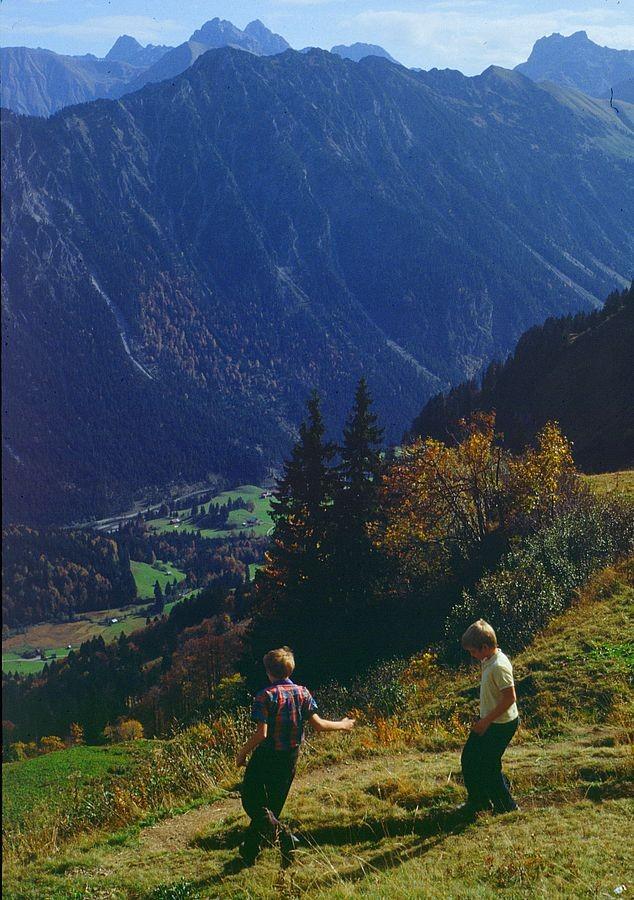Blick ins Stillachtal bei Oberstdorf und zum Großen Krottenkopf.