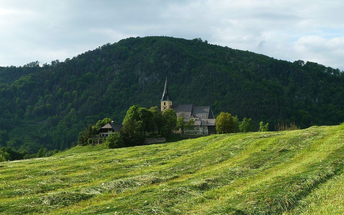 17.05.2015: Wallfahrtskirche Frauenstein und Gasthof von Süden