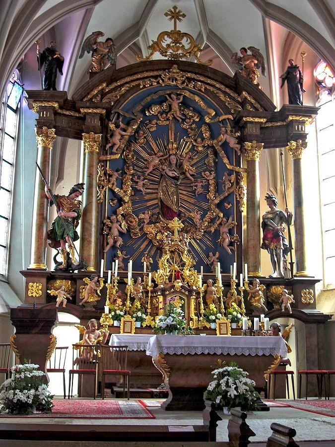 Hochaltar in der Wallfahrtskirche Maria Neustift