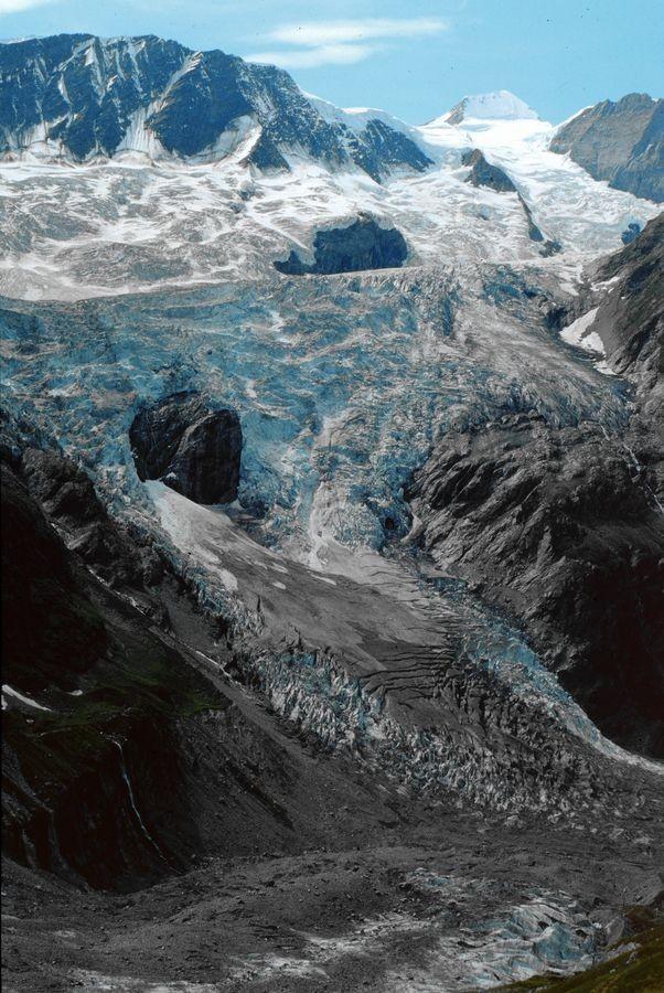 Der Zusammenfluss vom Fieschergletscher und Unterem Eismeer