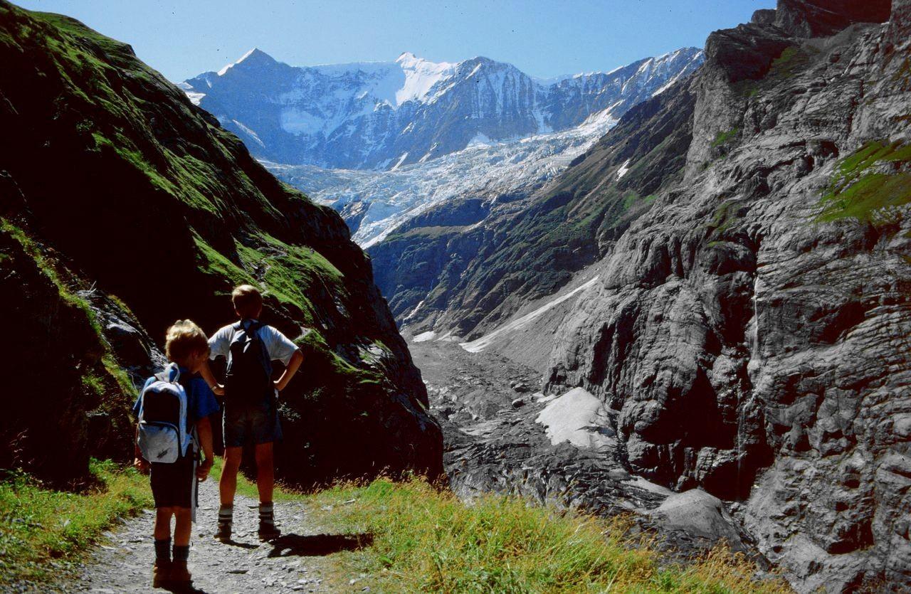 Weg Pfingstegg - (ehem.) Stieregg-Bergrestaurant über dem Unteren Grindelwaldgletgscher
