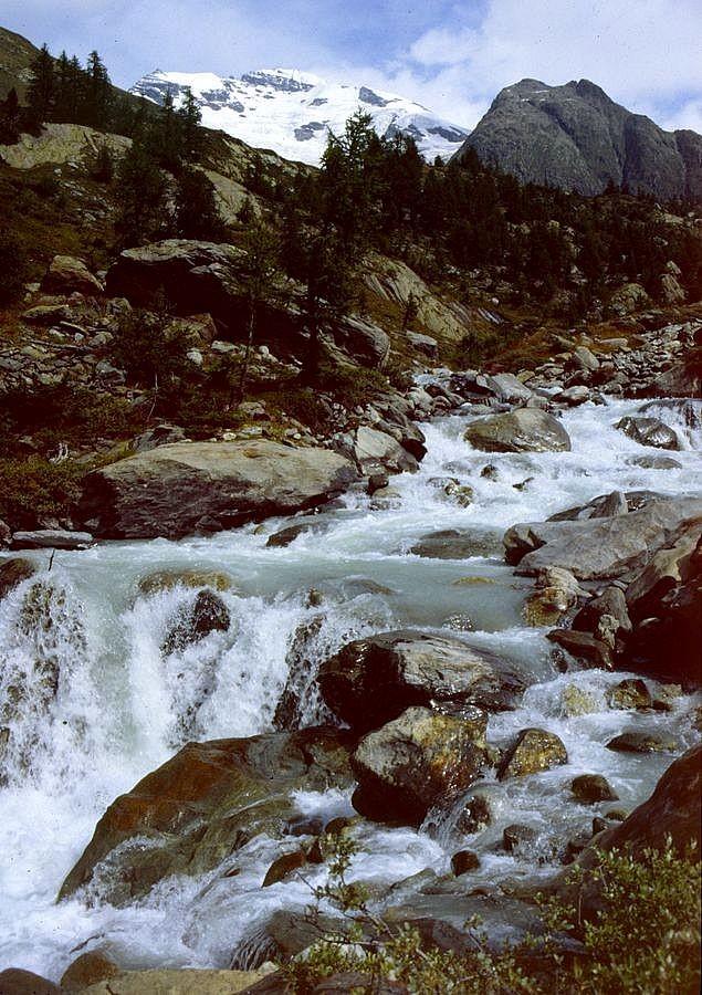 Die Lonza zwischen Gletscherstafel und Langlgletscher