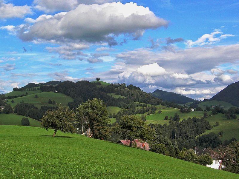Sicht über Maria Neustift zum Freithofberg
