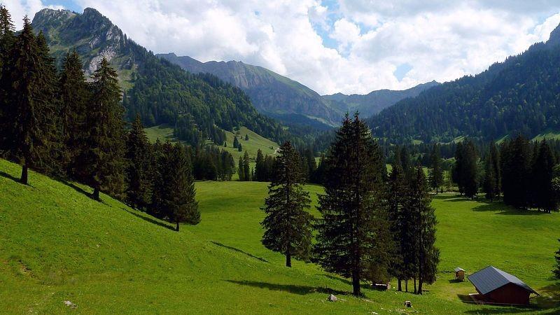 Der weite Talkessel von Schönenbach