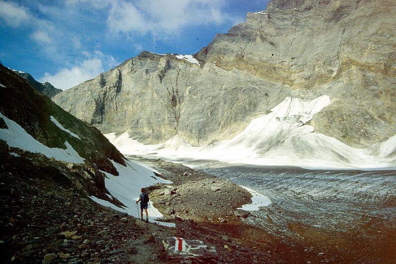 Die Balmhorn-Ostflanke von der Seitenmoräne des Lötschengletschers
