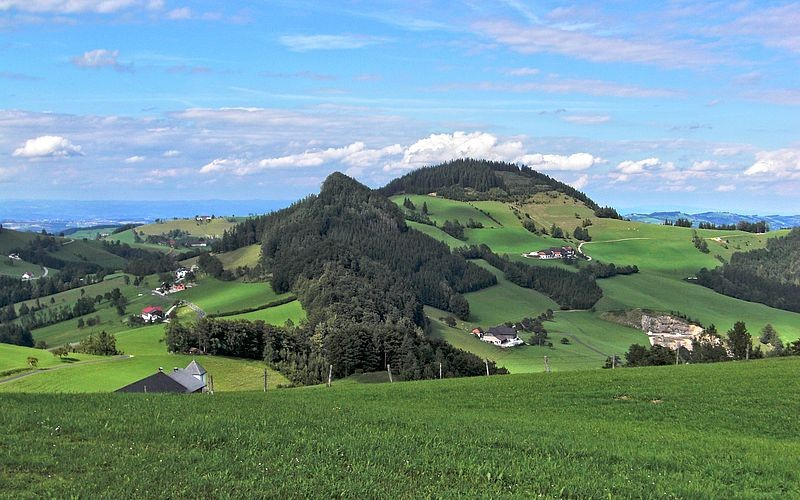 Blick von der Jausenstation Hochramskogler zum 898 m hohen Elmkogel