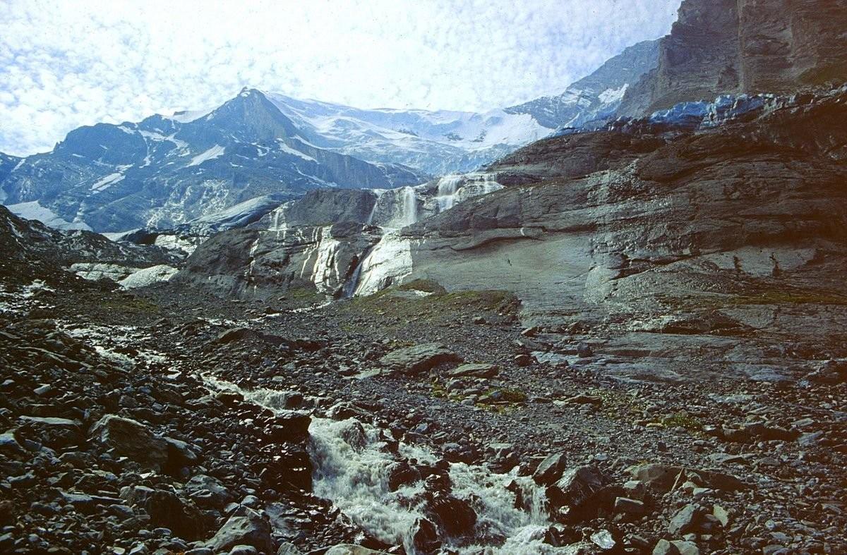 Foto von 1992: Die Wasserfälle unterhalb des Balmhorngletschers