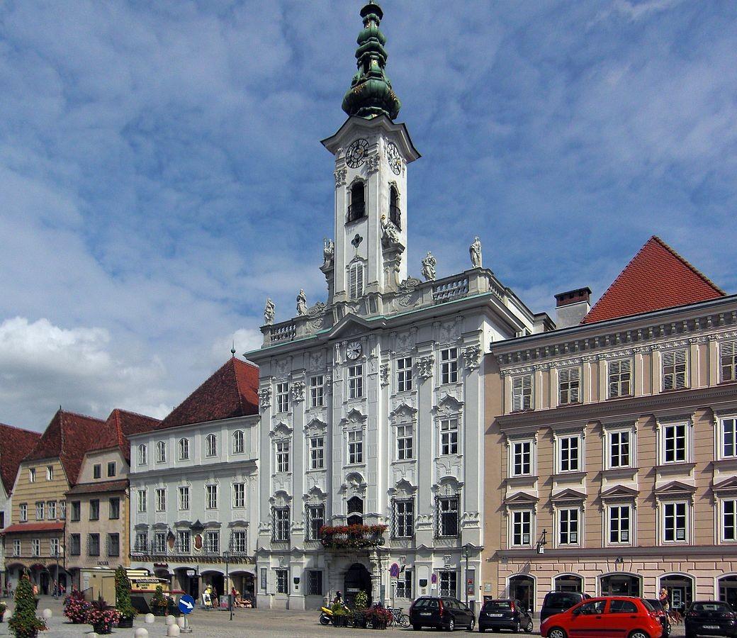 Das Rathaus in Steyr. Eine der schönsten Rokokobauten in Oberösterreich
