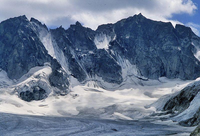 Foto von 1986: Der wilde Fels- und Gletscherzirkus im Talhintergrund