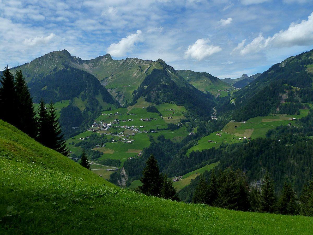 Blick links zu Türtschhorn, Glatthorn und Faschinajoch