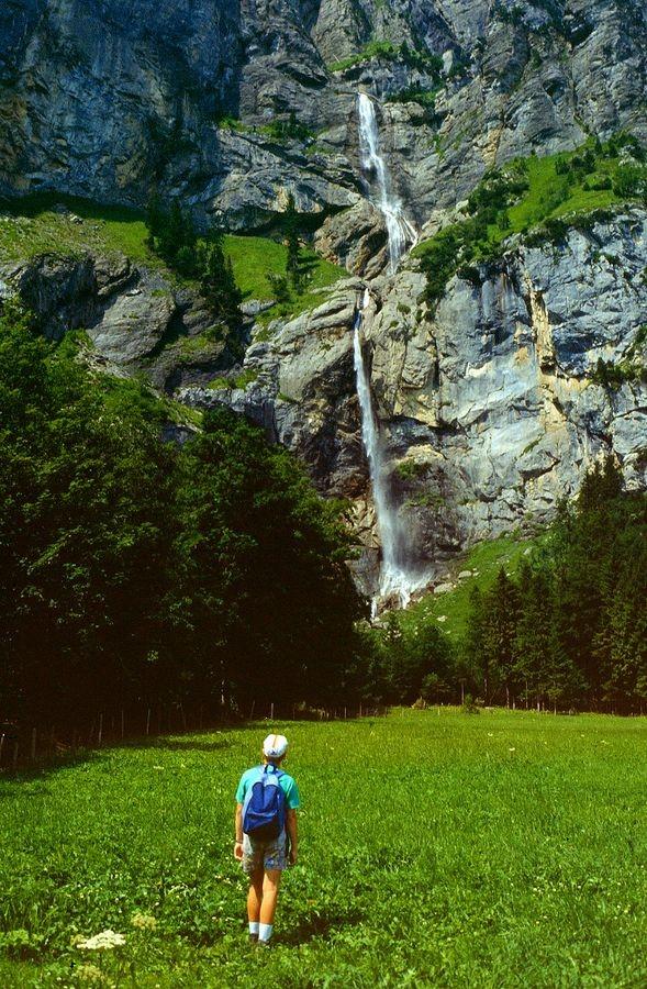 Die Wasserfälle des Allmenbachs. Neben ihnen führt inzwischen ein Klettersteig durch die Wand zur Allmenalp