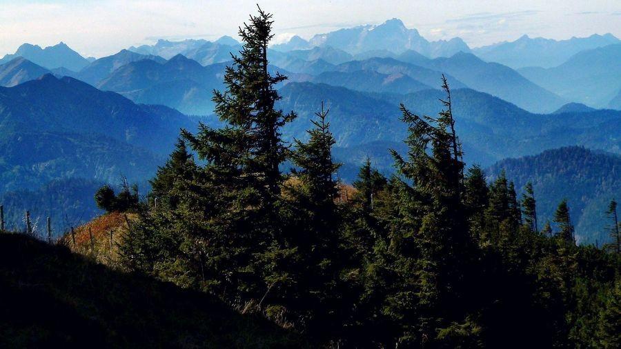 Foto von 2013 mit mit Panasonic DMC FX-10: Karwendel Wetterstein vom Weg Taubensteinbahn-Rotwand