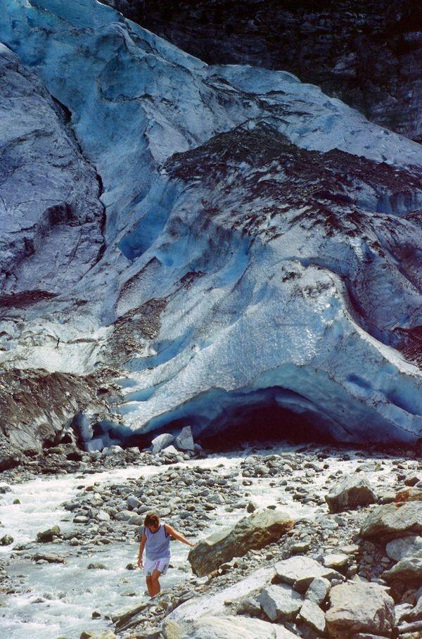 Es war einmal ein Gletscher, der bis ins Tal herunterreichte. Das Gletschertor des Oberen Grindelwaldgletschers.