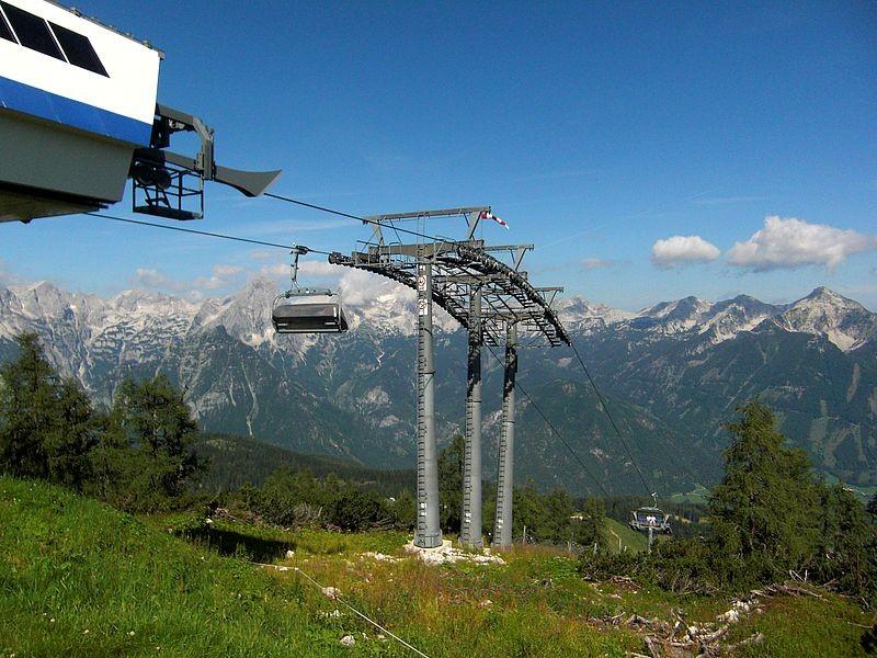 Sessellift-Bergstation auf der Hutterer Höß