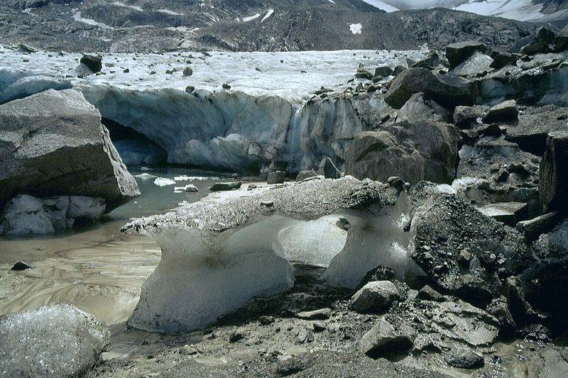 Ein Gletschertisch von anderer Art am Obersulzbachkees