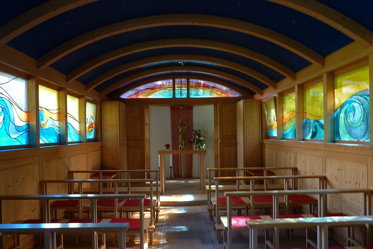 """Das Innere der Kapelle """"Maria - Arche des neuen Bundes"""""""