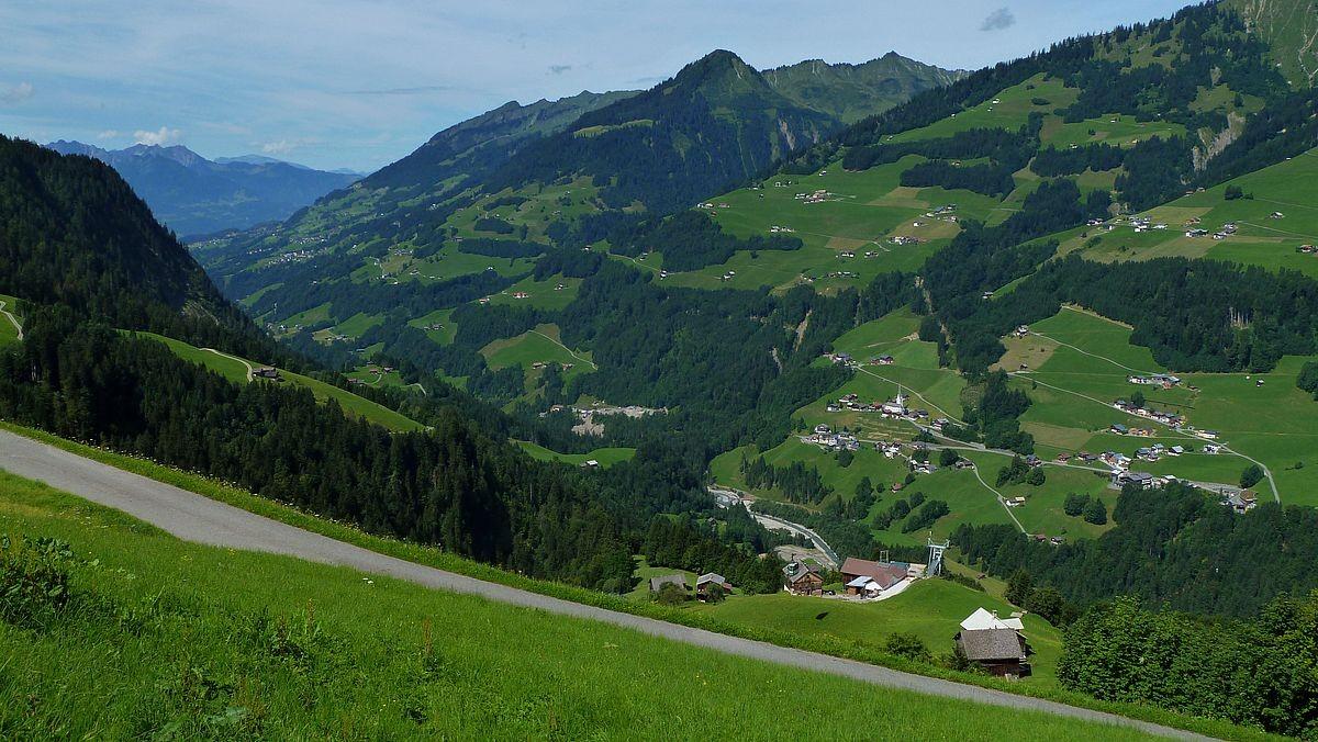 Großes Walsertal von der Bergstation Stein