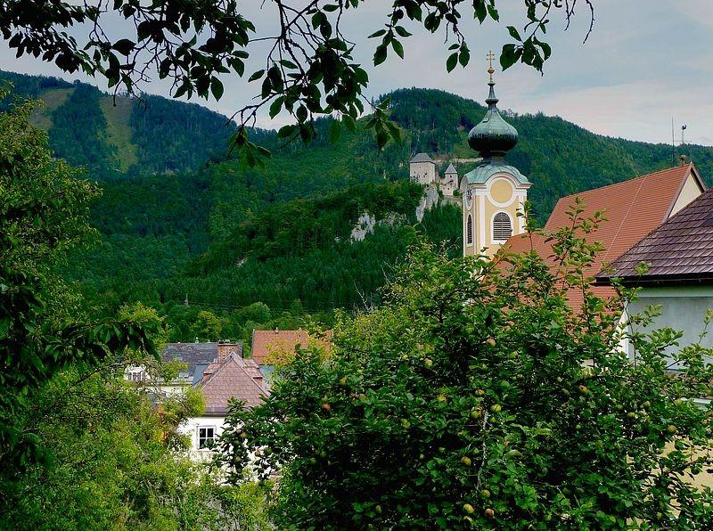 Burg Gallenstein vom Ortskern in St. Gallen in der Nähe der Kirche