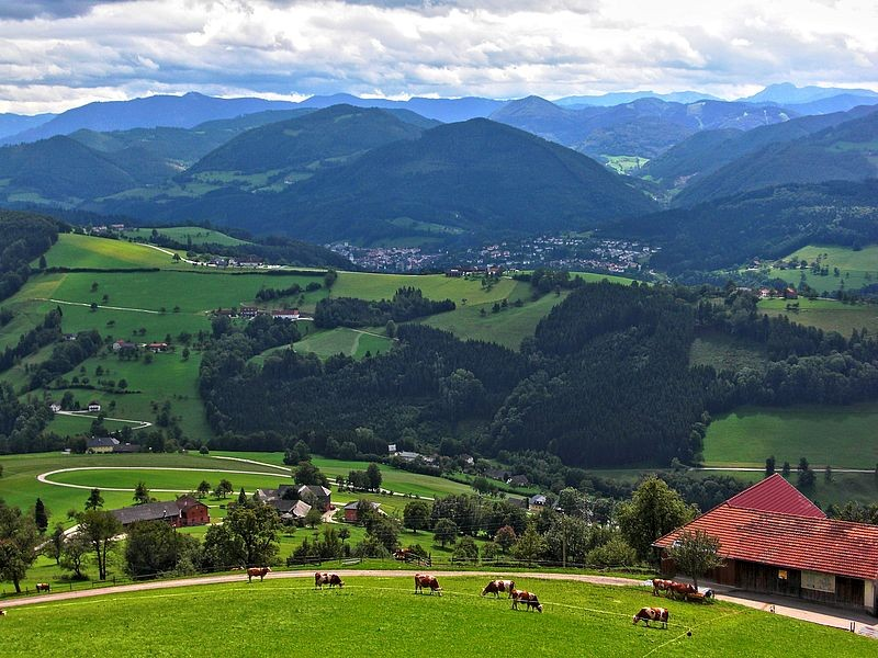 Aussicht von der Basilika Sonntagberg auf Ybbstaler und Ennstaler Alpen