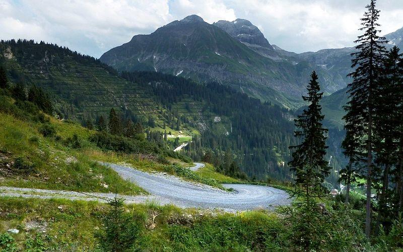 Juppenspitze, Mohnenfluh und Butzensattel vom Wanderweg