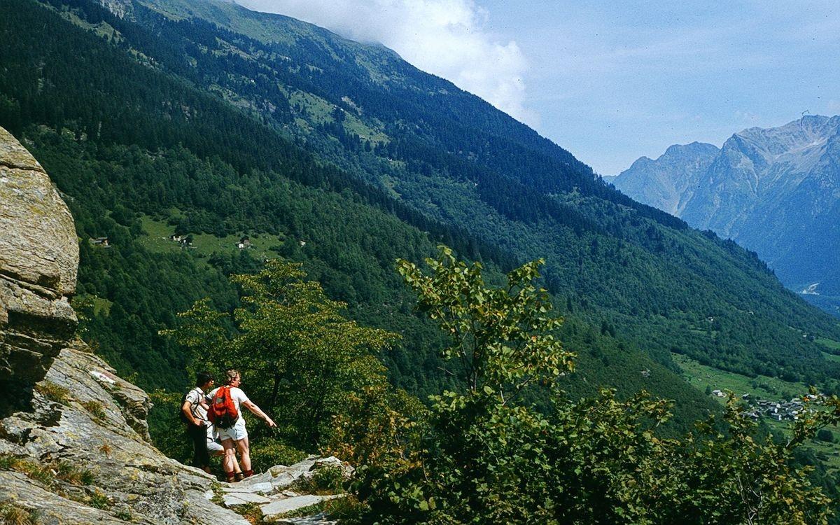Am Wanderweg Maloja - Soglio gegen Norden