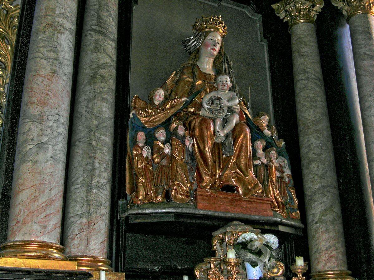 Die berühmte Figurengruppe der Schutzmantelmadonna von Frauenstein vom Ulmer Meister Gregor Erhart