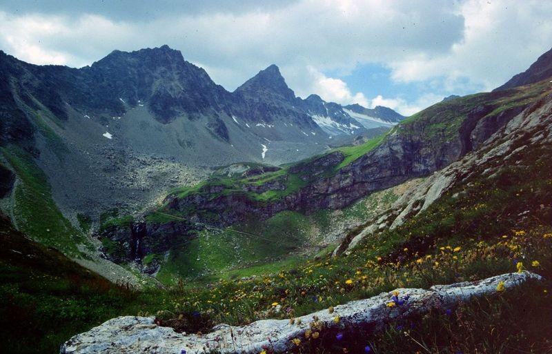 Blick vom Abstiegsweg zur Kummenalp ins Rotferdental