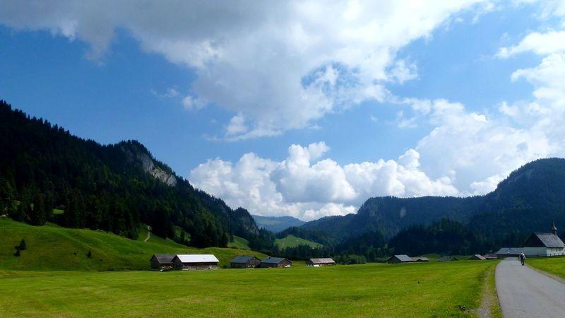 Die ebenen Wiesen bei Schönenbach