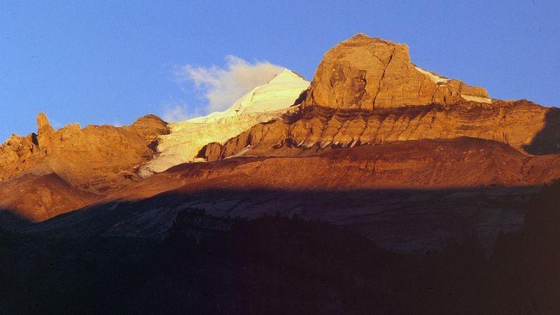 Alpenglühen am Doldenhorn (Aufnahme von Kandersteg aus im Jahr 1990)