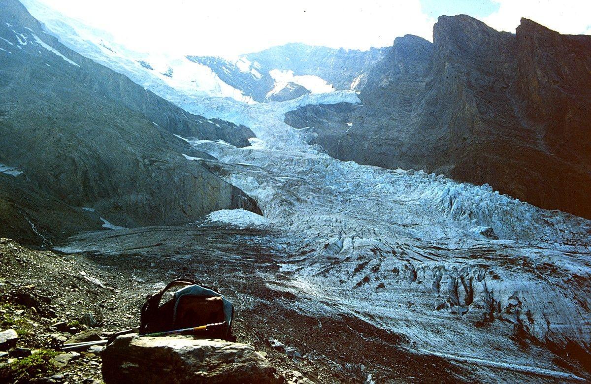 Foto: Balhorn Nordwand und Balmhorngletscher von der rechten Seitenmoräne