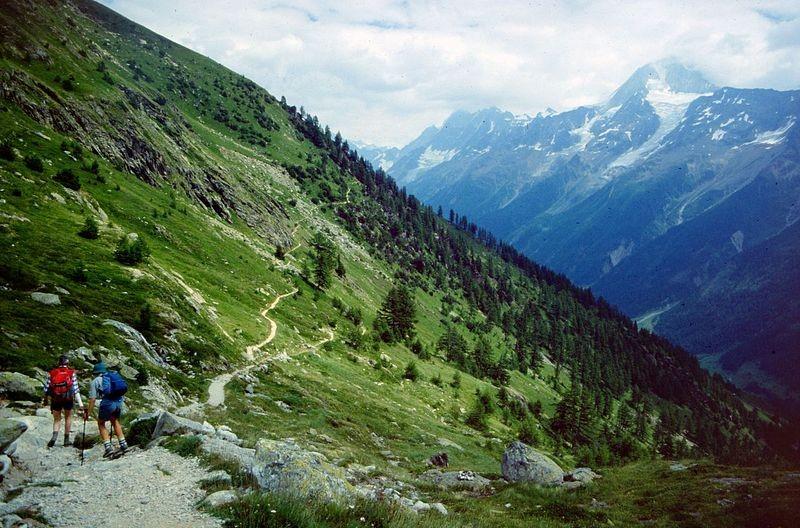 Auf dem Lötschentaler Höhenweg von der Kummenalp zur Lauchernalp unterwegs