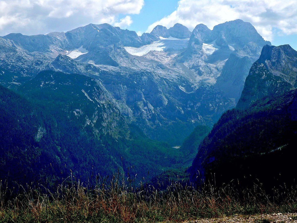 Dachsteinmassiv und Hinterer Gosausee von der Zwieselalmhöhe