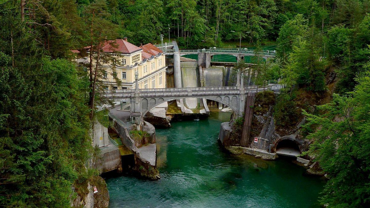 Das im Jugendstil erbaute Kraftwerk Steyrdurchbruch