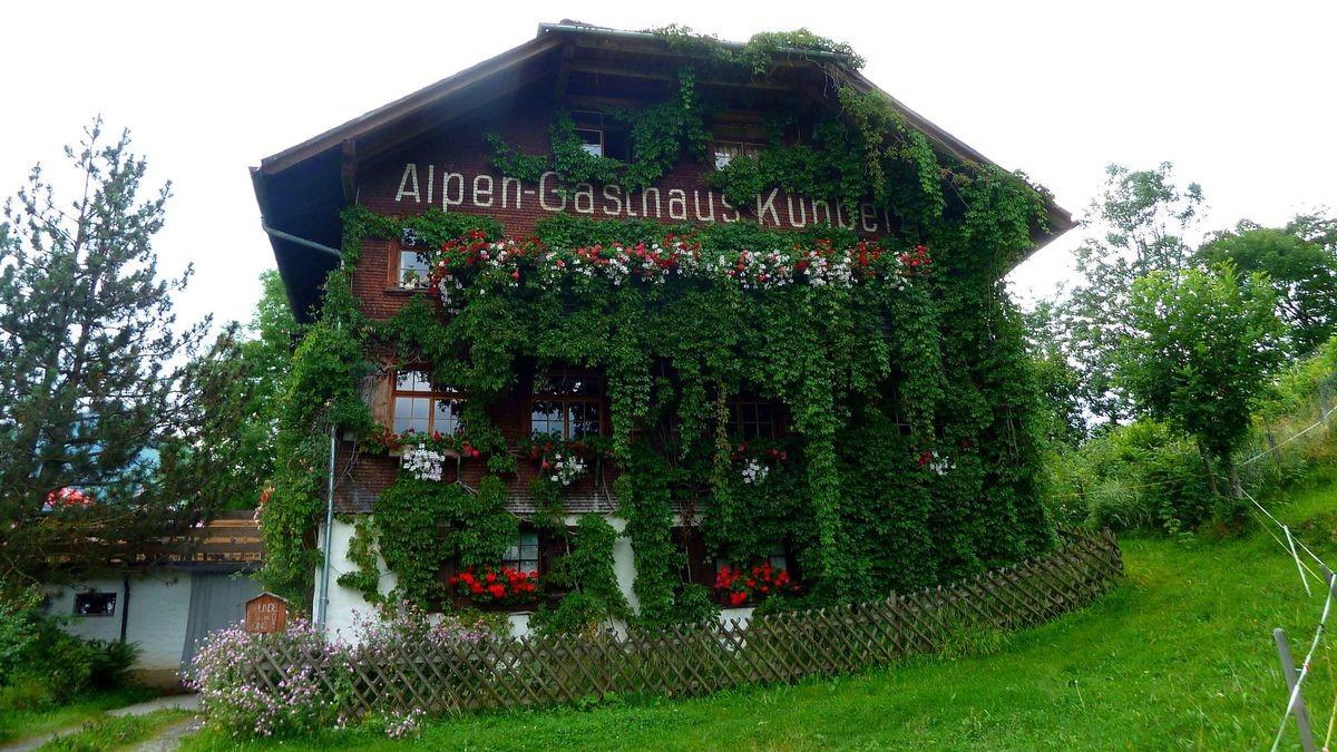Das Alpen-Gasthaus Kühberg auf dem Karren