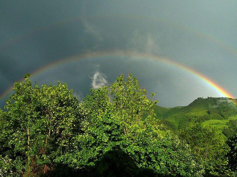 Doppelter Regenbogen auf Rabenreith