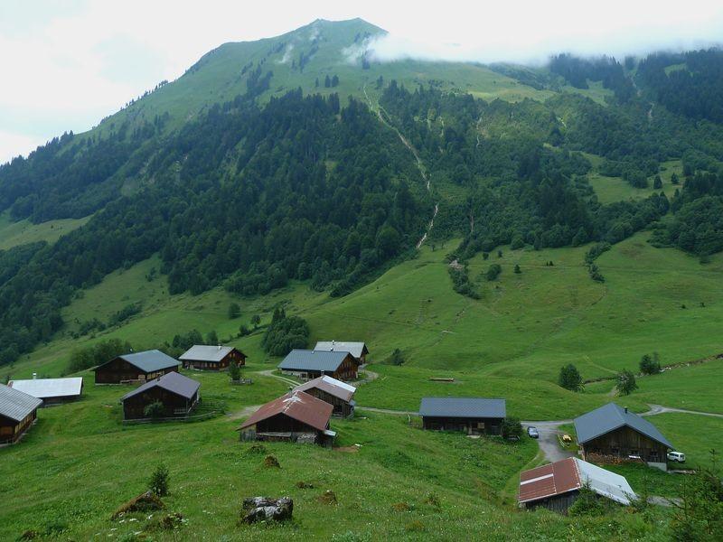 Alpsiedlung Vorderhopfreben gegen Hintere Üntschenspitze
