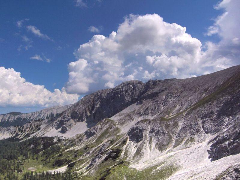 Am Warscheneck bauen sich Gewitterwolken auf
