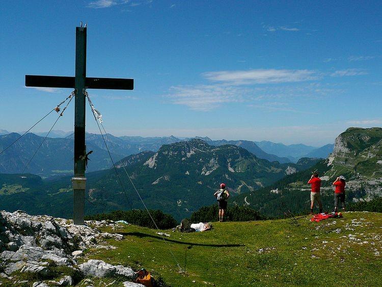 Beim Gipfelkreuz des Trisselbergs