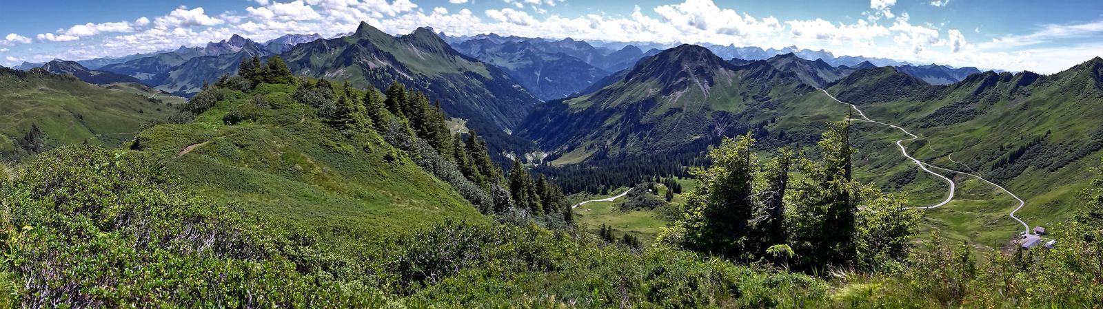 180 Grad-Panroma O-S-W vom Diedamskopf bis Fu8rkajoch/Gerafalben