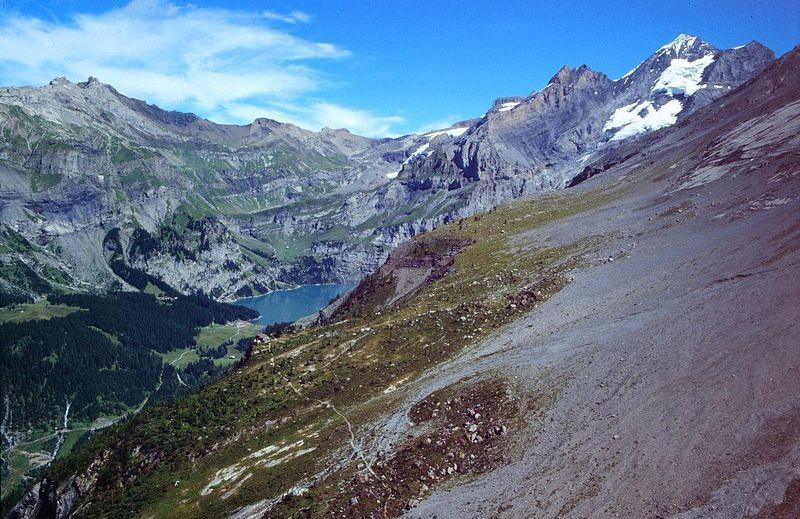 Doldenhornhütte, Oeschinensee und Blümlisalp vom Rücken am Fisistock oberhalb der Fisialp