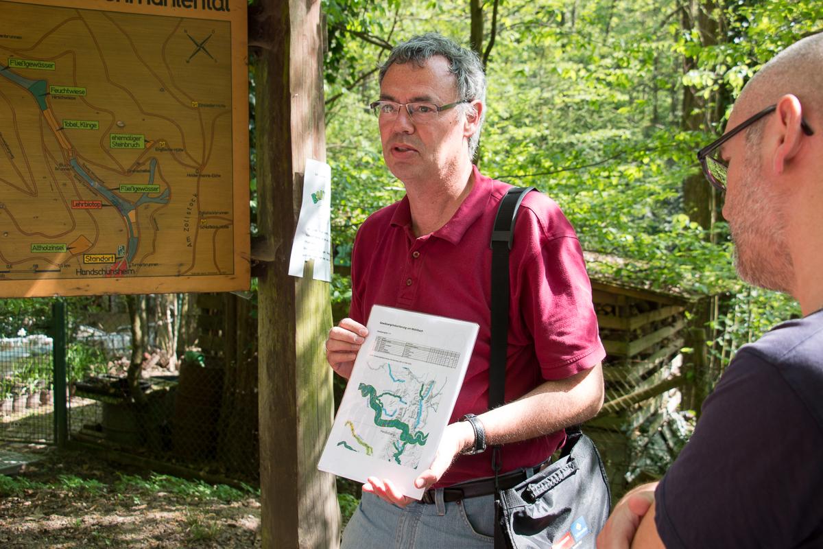 Gewässergütekartierung am Mühlbach durch Referent Dr. Rainer Drös