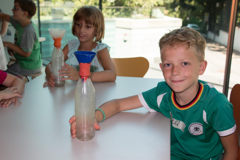 Läuft Wasser in die abgedichtete Flasche? (Foto: B. Budig)