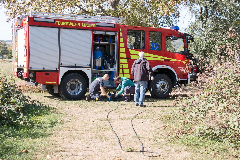 Der Strom kommt aus dem Feuerwehr-Fahrzeug