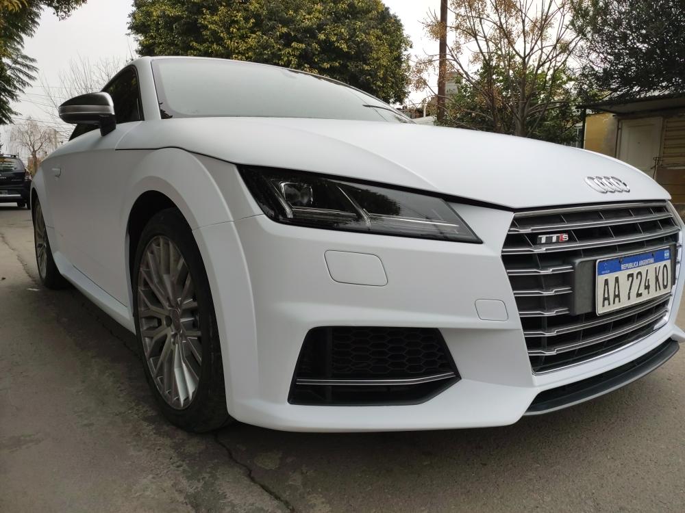 Audi TT, blanco mate perlado